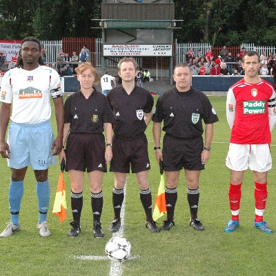 CAPTAINS POSE BEFORE KICK-OFF