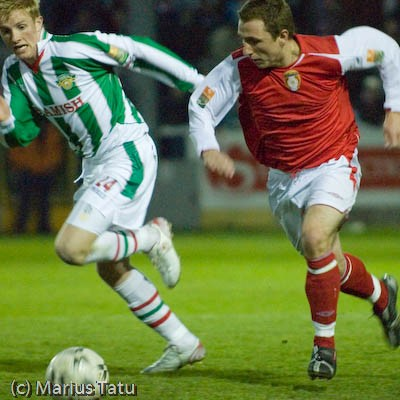 GARY O'NEILL IN ACTION