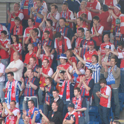 FANS IN FULL VOICE