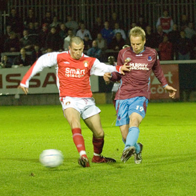 KEITH FAHEY IN ACTION AGAINST DROGHEDA UNITED