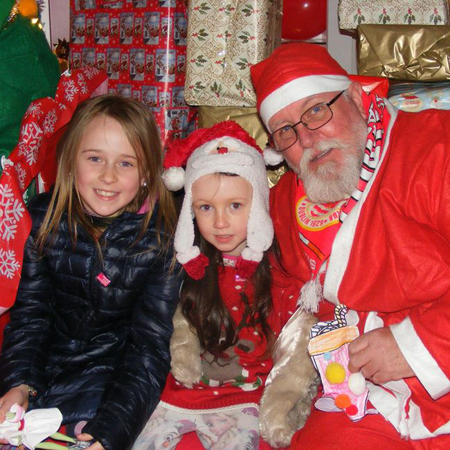 SANTA VISITS RICHMOND PARK