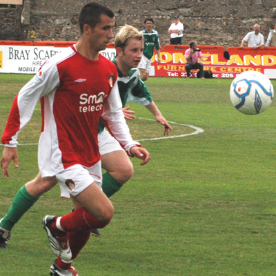 FAHEY IN ACTION AGAINST BRAY