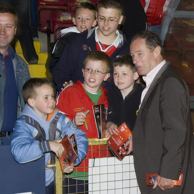 BRIAN KERR WITH PAT'S FANS
